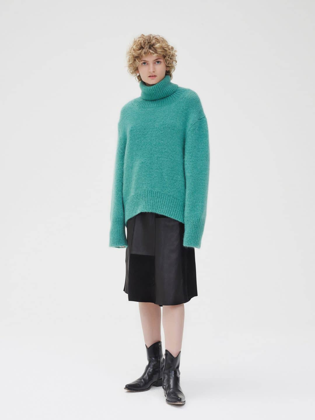 ROLL_NECK_JUMPER_GREEN_RIKA_STUDIOS_AMSTERDAM