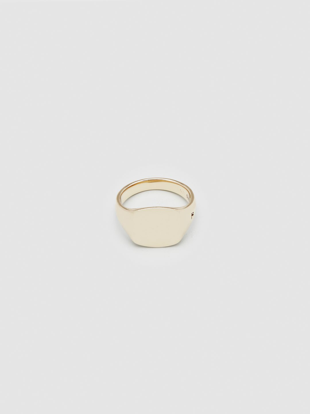Tom_Wood_Mini_Cushion_Gold_Ring_Rika_Studios